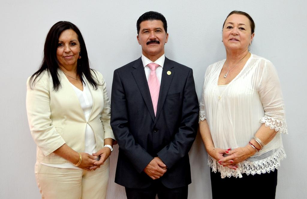 Dolores del Río López, Ernesto Flores Gallo y Dolores Aurora Ortiz Minique