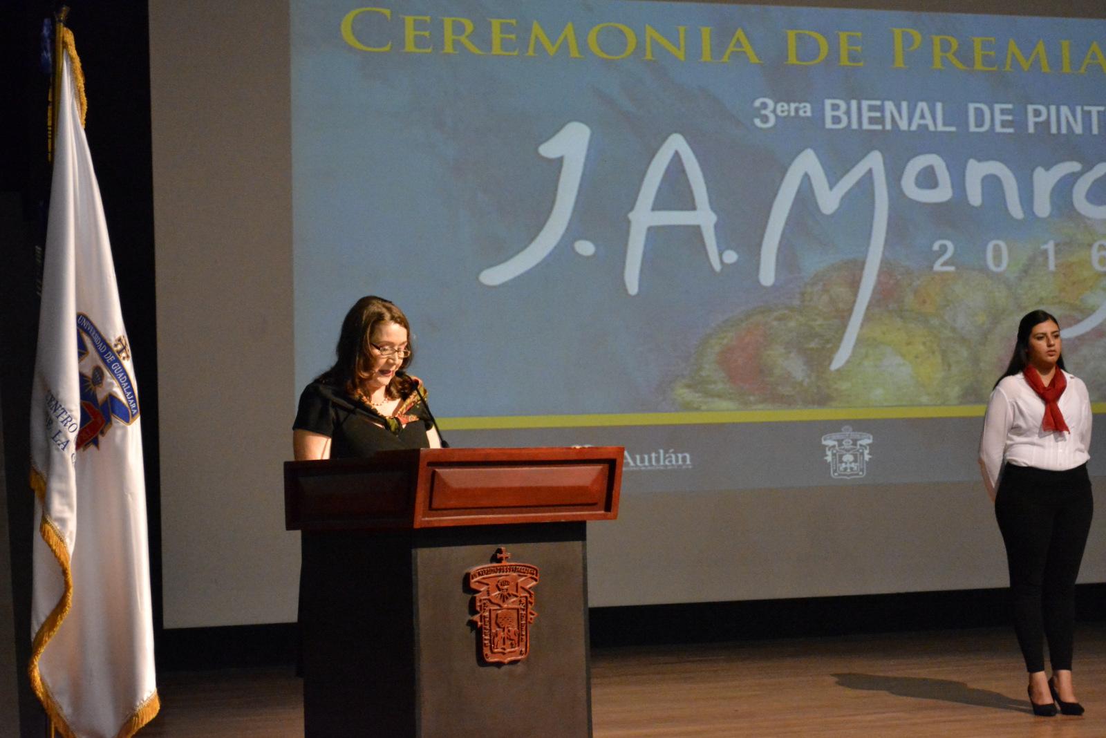 La doctora Lilia Victoria Oliver Sánchez, Rectora del  Centro Universitario de la Costa Sur