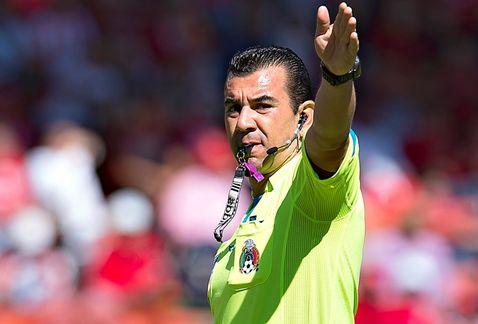 Arbitro de futbol soccer