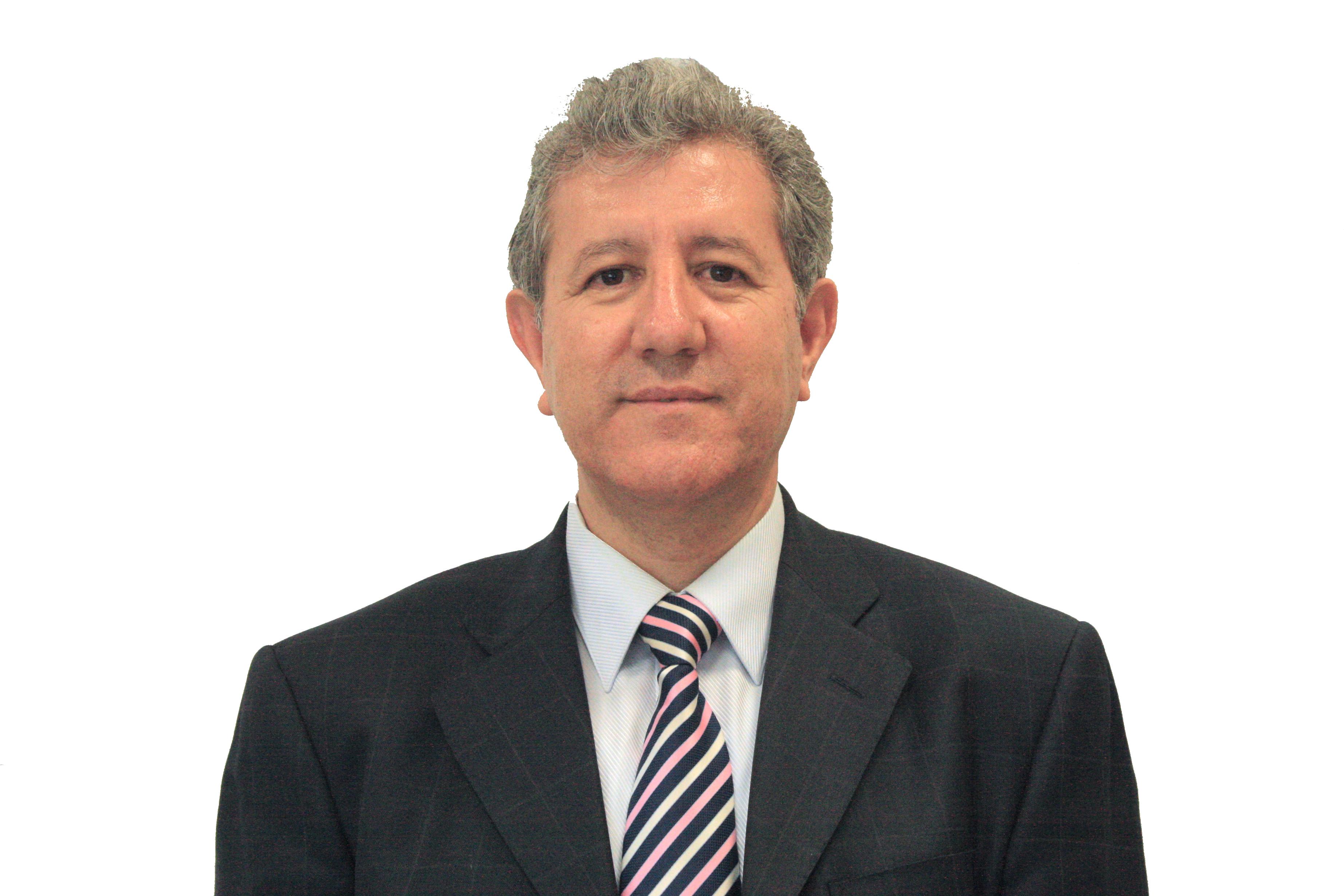 Dr. Arturo Chávez Chávez, profesor investigador, actual director de la División de Ciencias Básicas, y miembro del SNI.