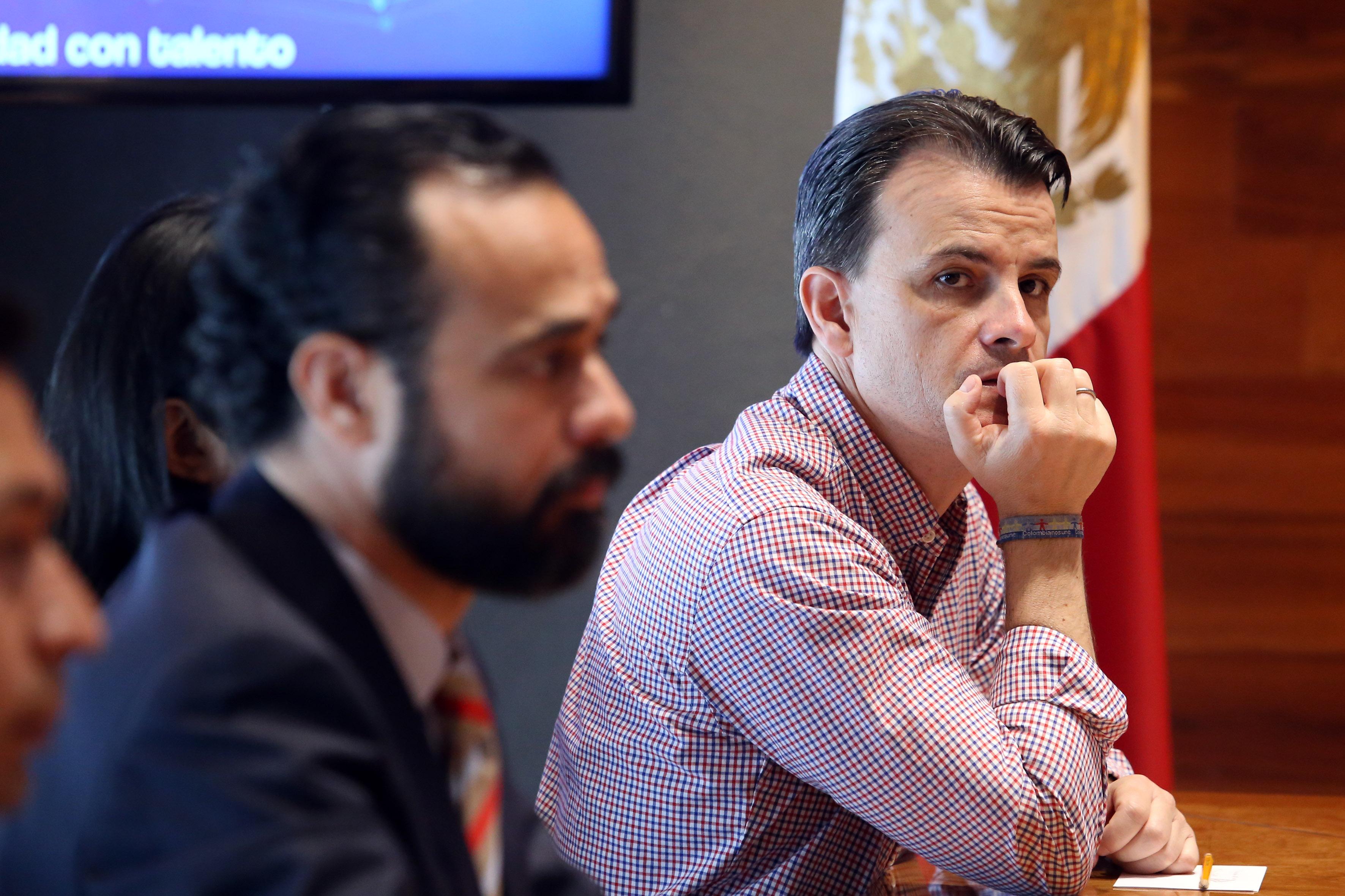 Pablo Antón fundador de campus party en sala de conferencias de UDG