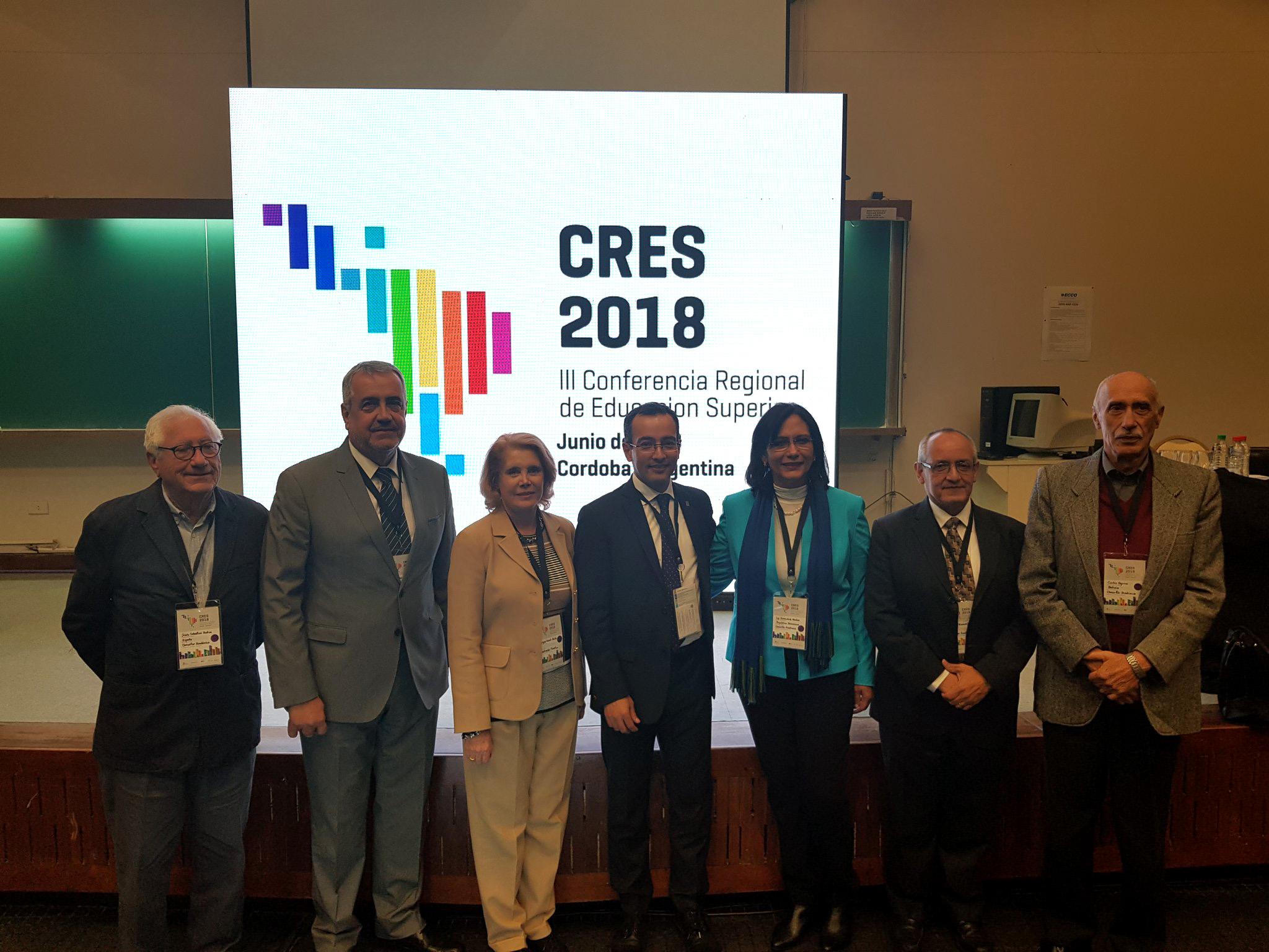 Coordinador General de Cooperación e Internacionalización, doctor Carlos Iván Moreno Arellano y la Directora de la División de Estudios de Estado y Sociedad, del CUCSH, doctora Jocelyne Gacel-Ávila; participando en la Conferencia Regional de Educación Superior de América Latina y el Caribe 2018.