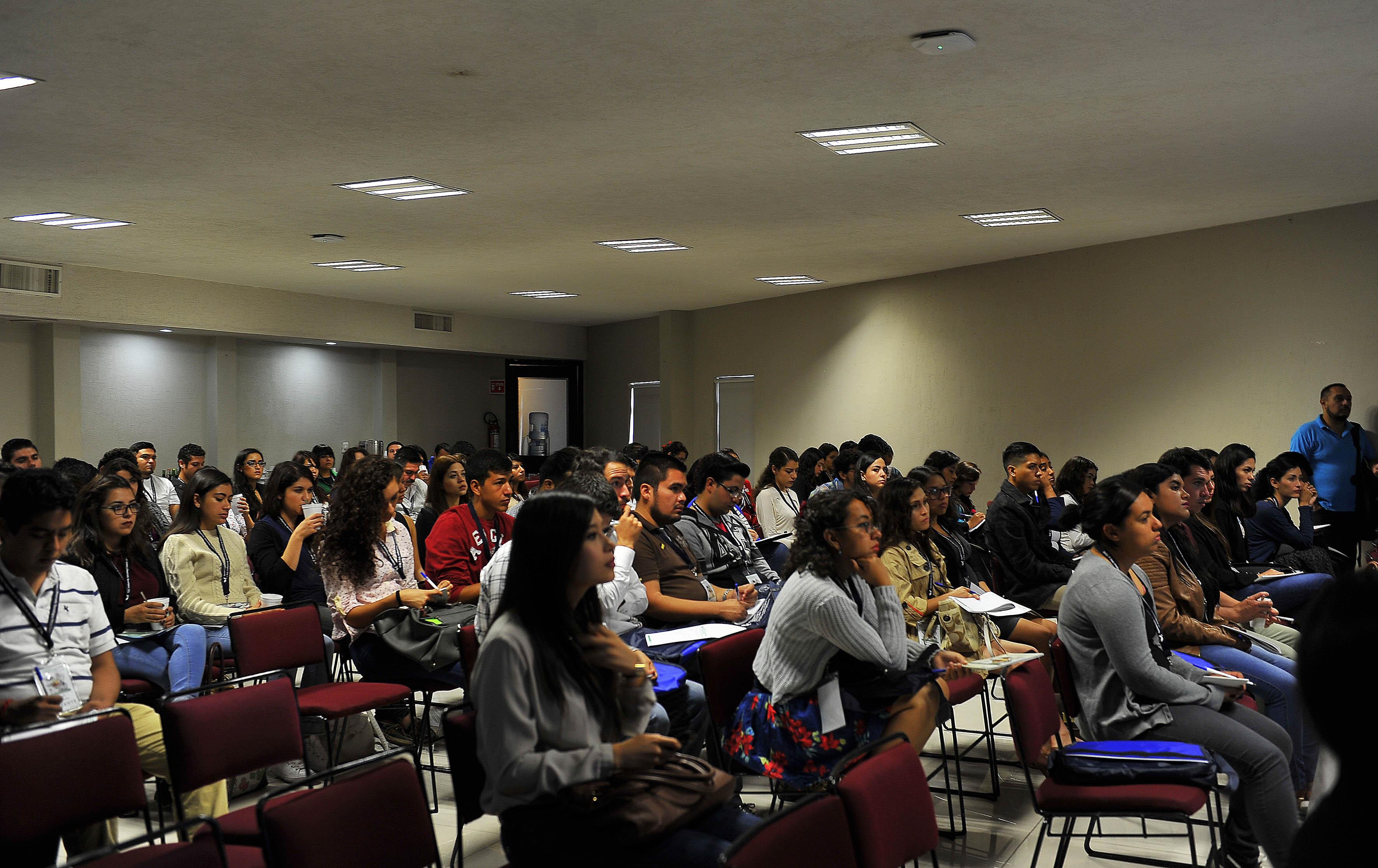 Alumnos del CUCEI en el II Congreso en Tendencias en Ciencias de los Alimentos y Desarrollo Tecnológico