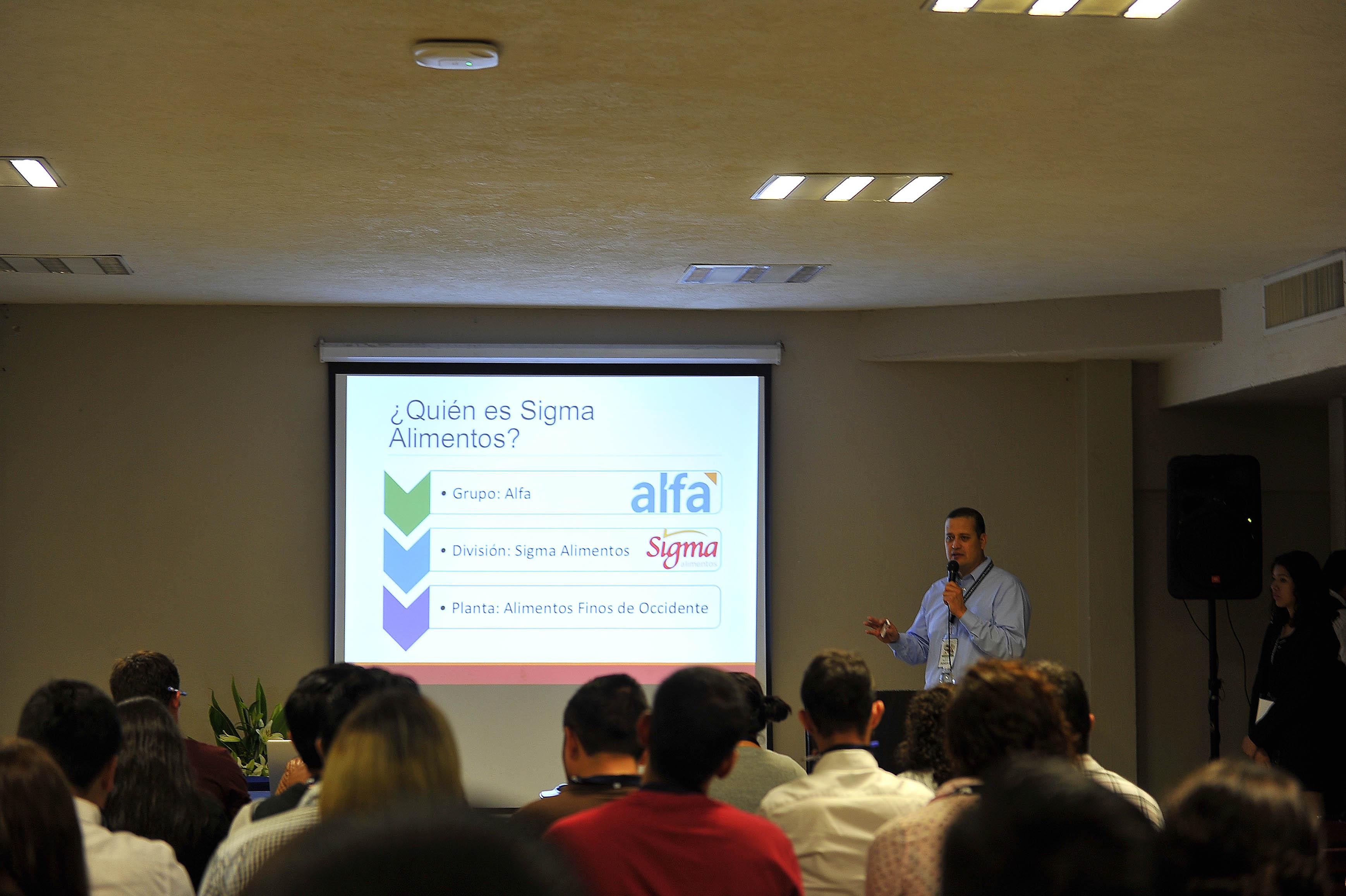 En la conferencia inaugural, el representante de Sigma Alimentos, Javier Vega