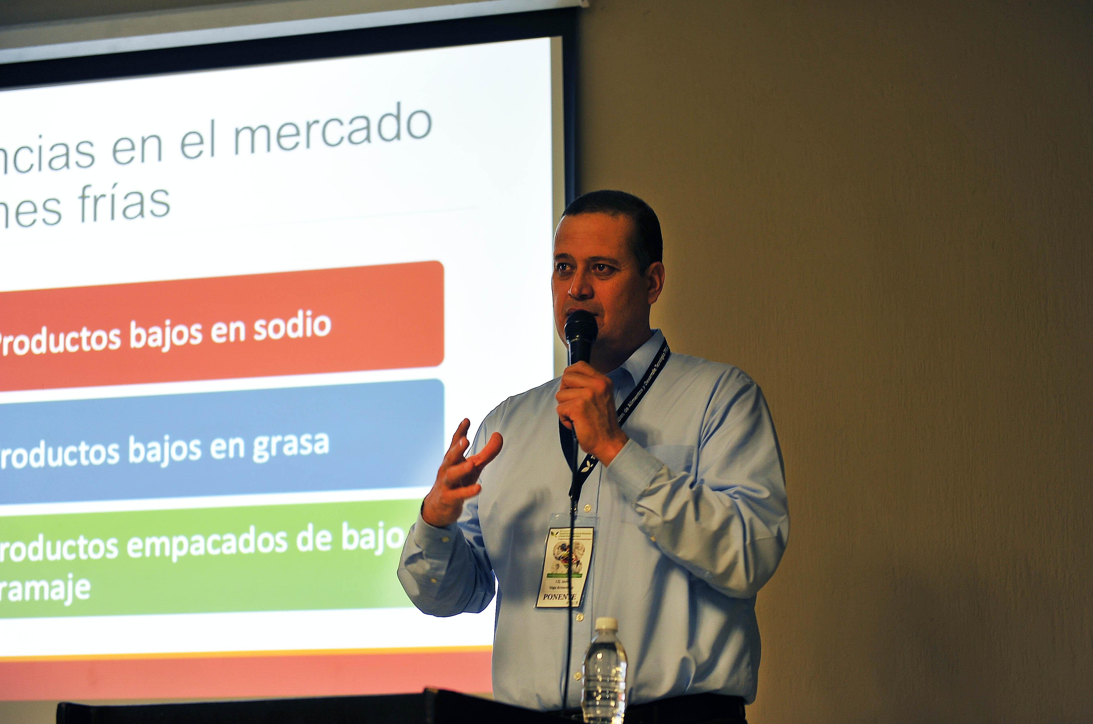 El representante de Sigma Alimentos, Javier Vega
