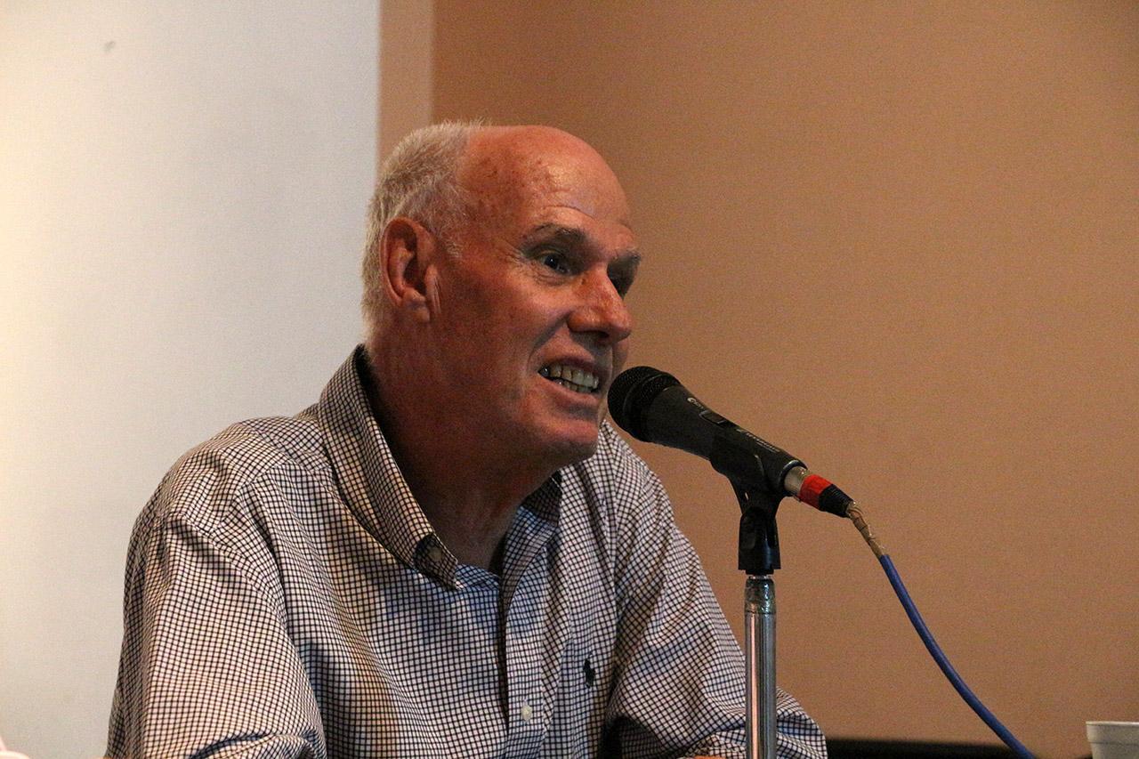 Wolfgang Vogt, académico e investigador de la Universidad de Guadalajara, haciendo uso de la palabra.