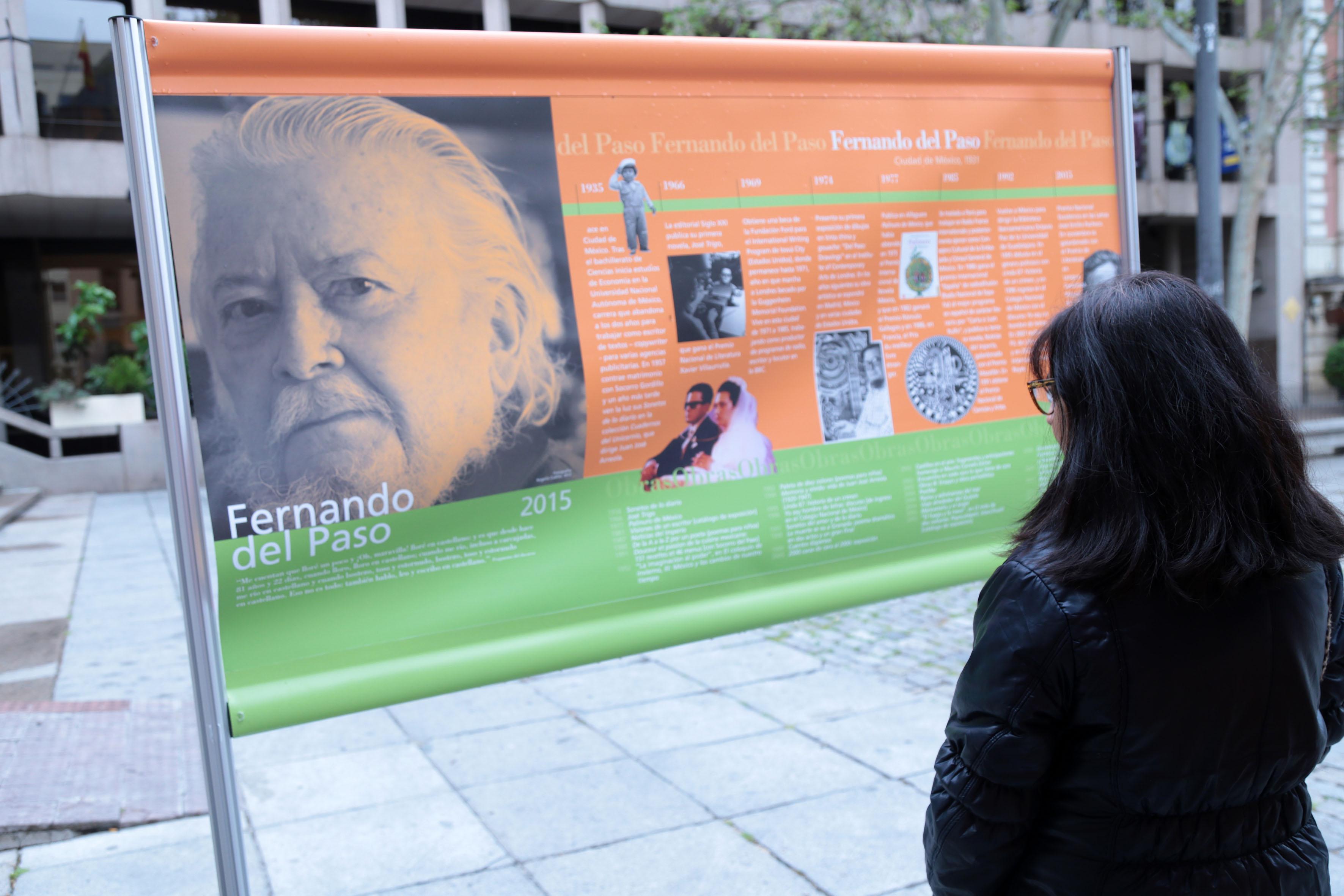 Cartel con información de Fernando del Paso