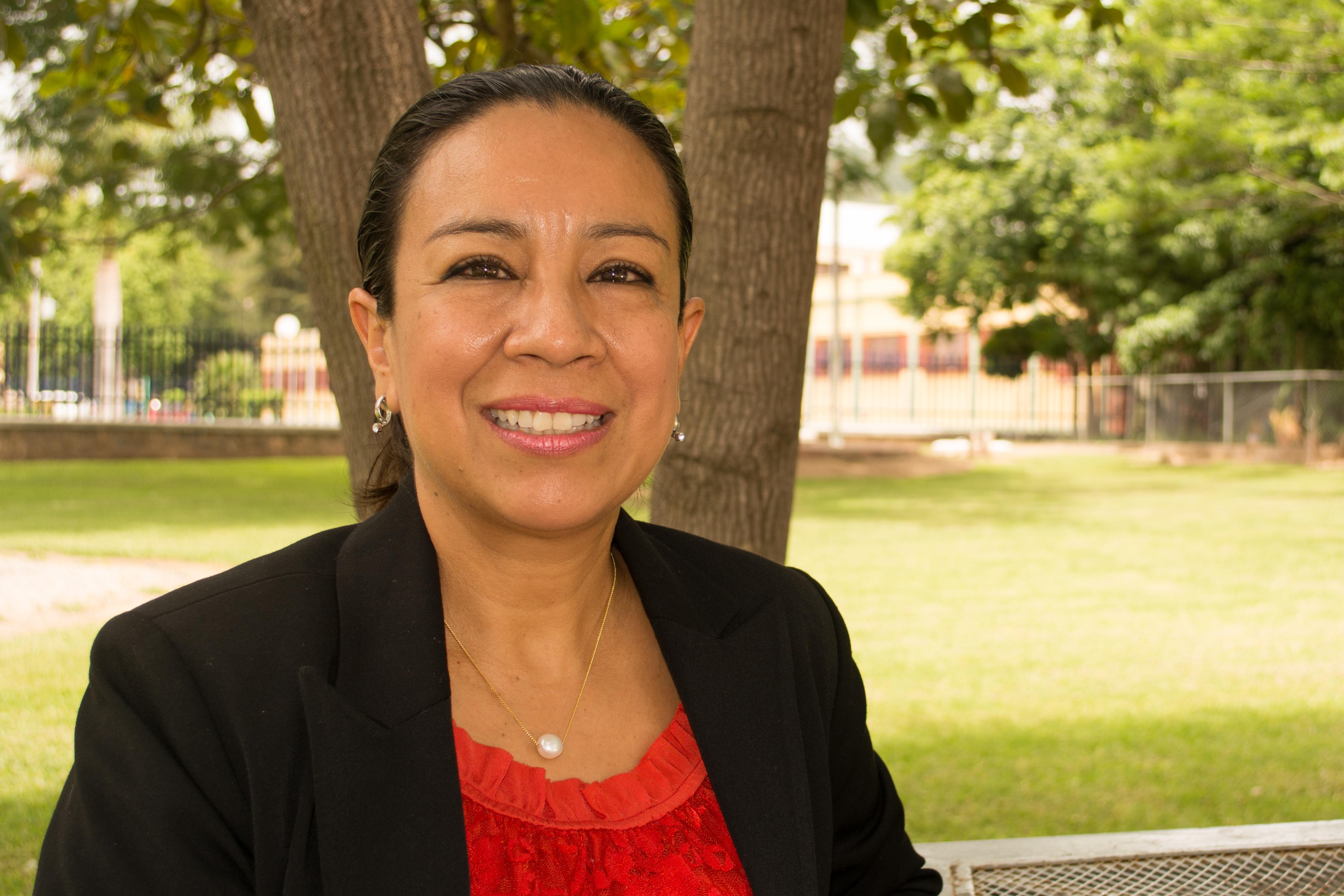 Ornitóloga especialista en colibríes, doctora Sarahy Contreras-Martínez,