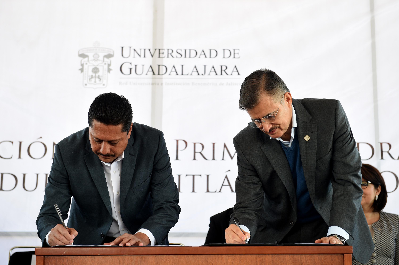 Alcalde y Rector general firman los acuerdos