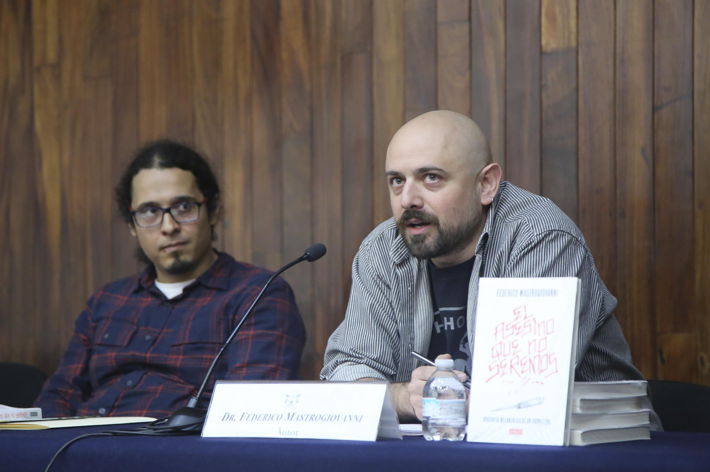 Federico Mastrogiovanni, autor del libro 'El asesino que no seremos. Biografía melancólica de un pandillero' haciendo uso de la palabra.