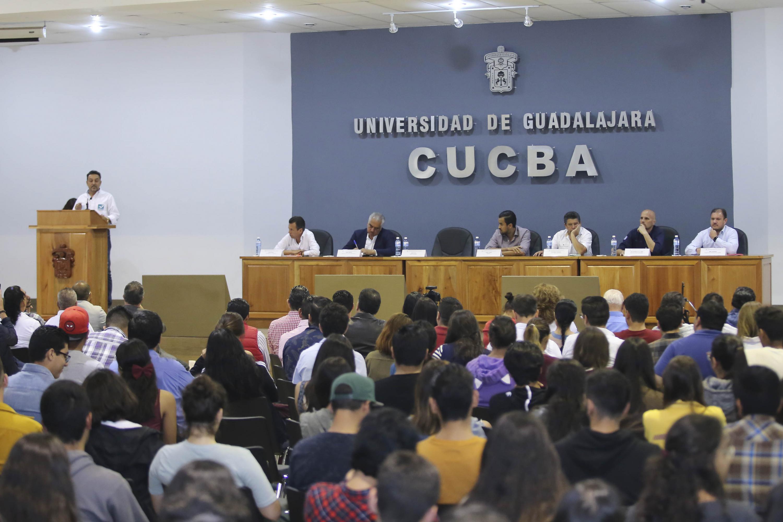 El evento se llevo a cabo en el auditorio de CUCBA que estuvo lleno de asistentes