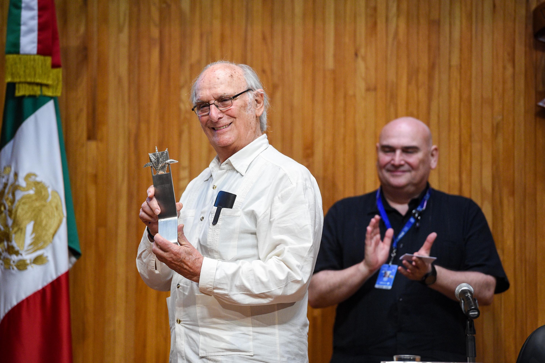 Cineasta español Carlos Saura recibió este martes el Premio Mayahuel Internacional por su amplia trayectoria