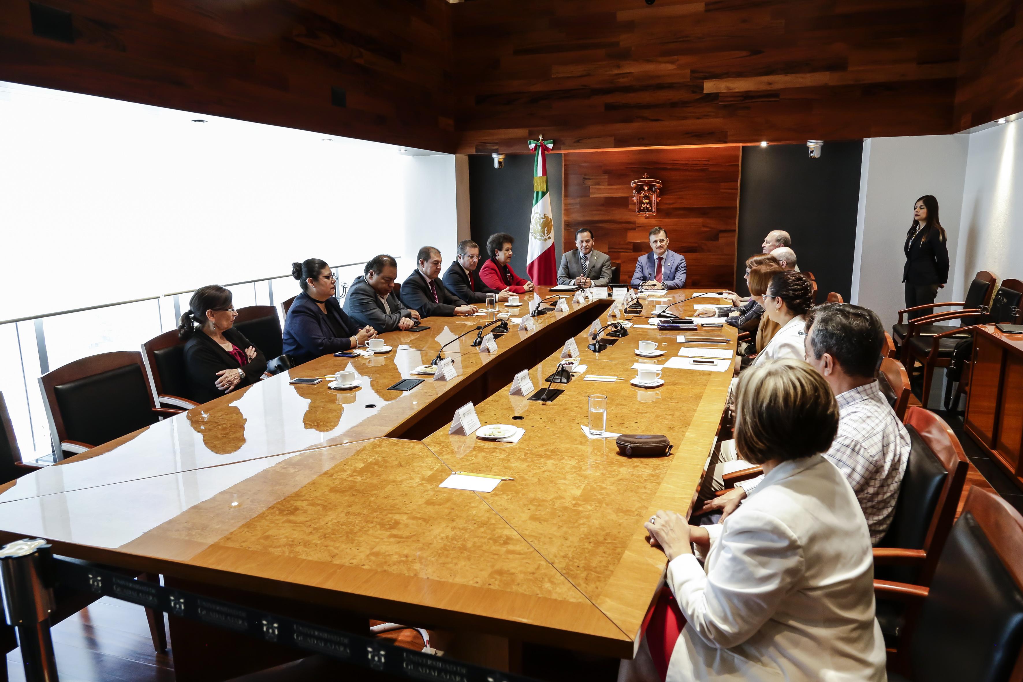 Universidad de Guadalajara (UdeG), por medio de UDGVirtual y la Fiscalía General del Estado (FGE) establecieron un convenio para que, de forma conjunta, diseñen el diplomado en Materia del Sistema Estatal Anticorrupción