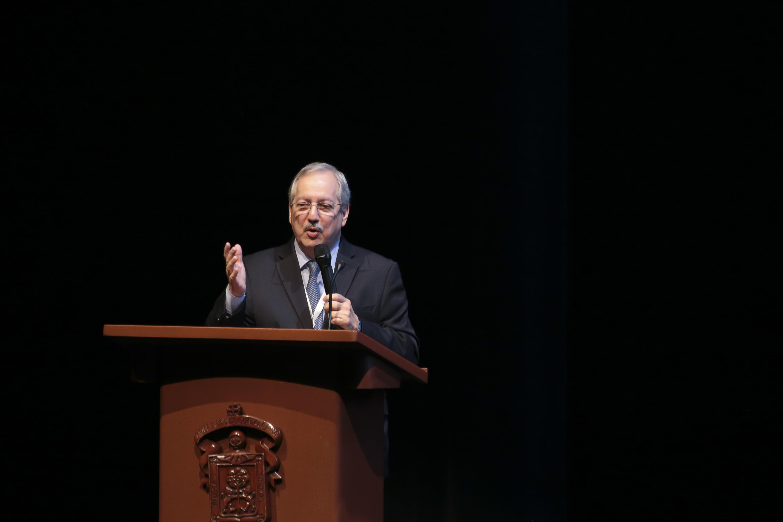 El Raúl Castillo Mantilla, en su conferencia magistral