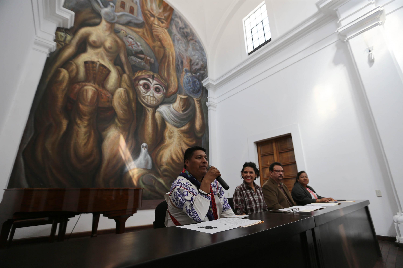 Mateo Habla Minjares Zavala, de la asociación civil Wixáritari Artistas y Artesanos Unidos,