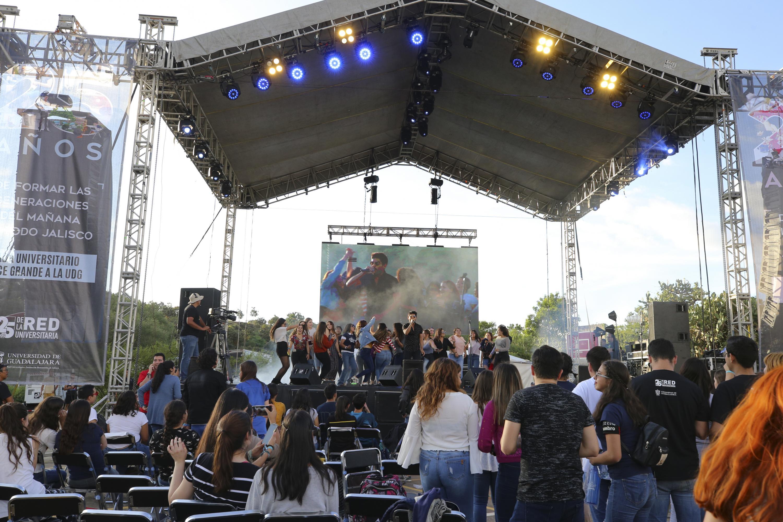 Comunidad universitaria de CUAltos, disfruta conciertos de música en el Festival Regional por los 25 años de la Red