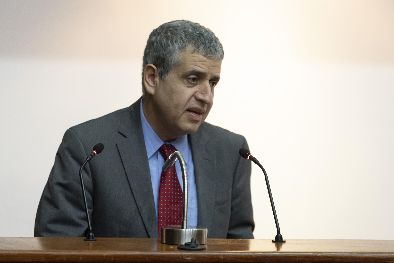 El doctor Héctor Raúl Solís Gadea, Vicerrector Ejecutivo de la UdeG, durante su participación en la Semana del programa LEAD-COLMEX, en Guadalajara