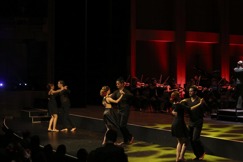 Grupos de danza se presentaron en el Festival Metropolitano