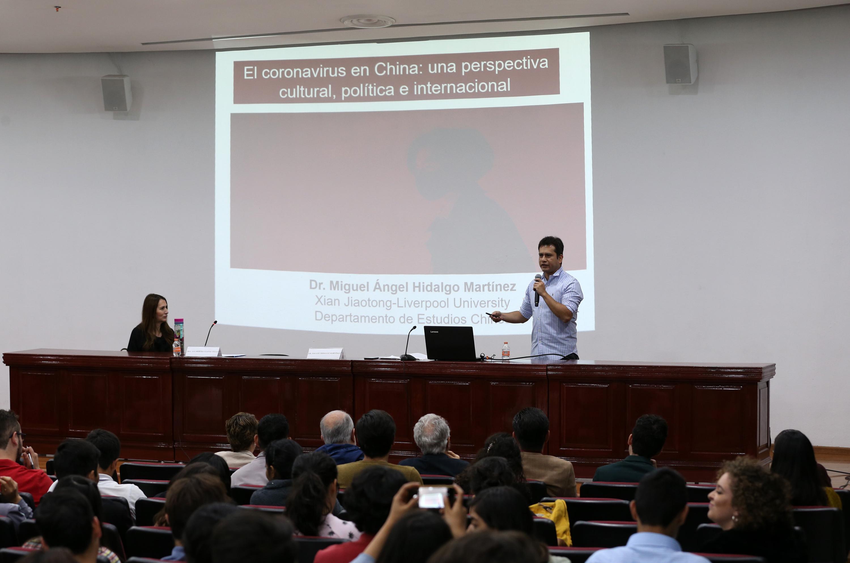 Académico de la Xi'an Jiaotong-Liverpool University, doctor Miguel Hidalgo Martínez.