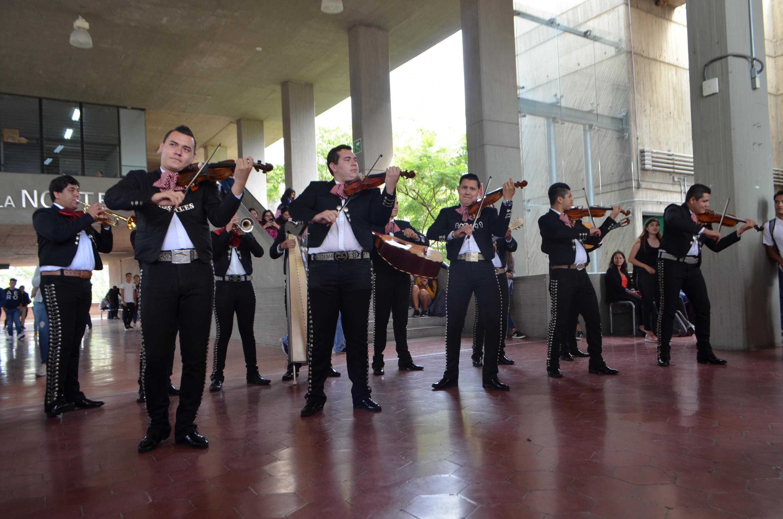 En los festejos, toca el mariachi en el CUAAD