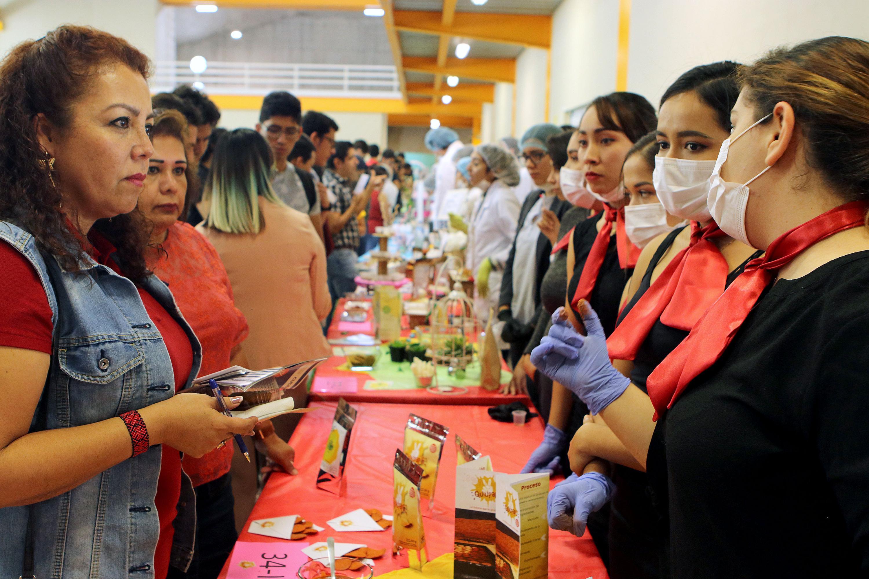 Se muestra en la expo ciencia 32 tipos de alimentos y dos prototipos