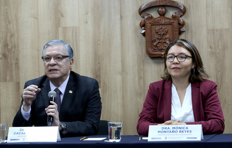 Dr Armando Zacarías Castillo, Jefe del Departamento de Estudios Políticos y Dra. Mónica Montaño Reyes, Coordinadora del Observatorio Electoral del CUCSH