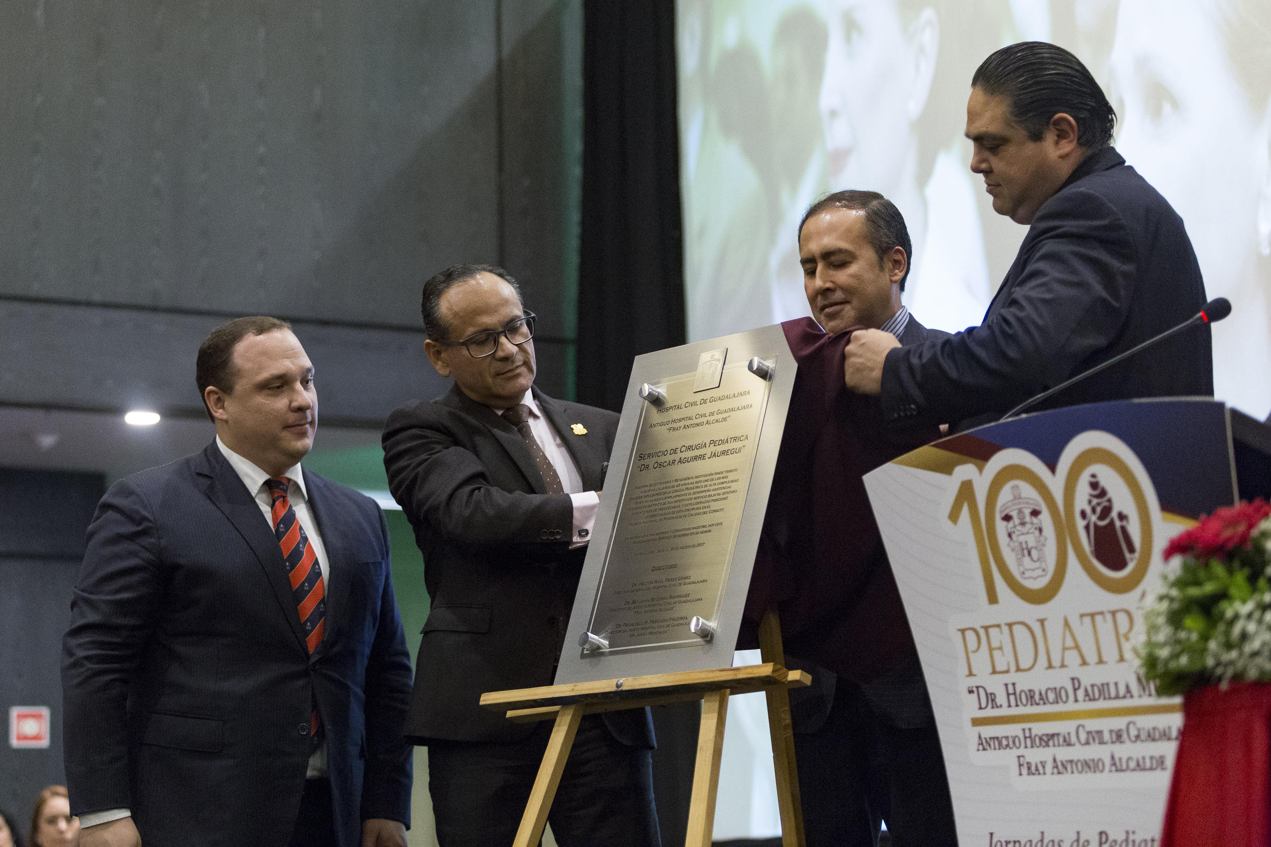 Placa conmemorativa para el antiguo hospital civil Fray Antonio Alcalde