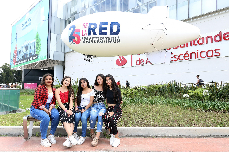 Jóvenes Estudiantes en la conmemoración de los 25 años de creación de la Red Universitaria