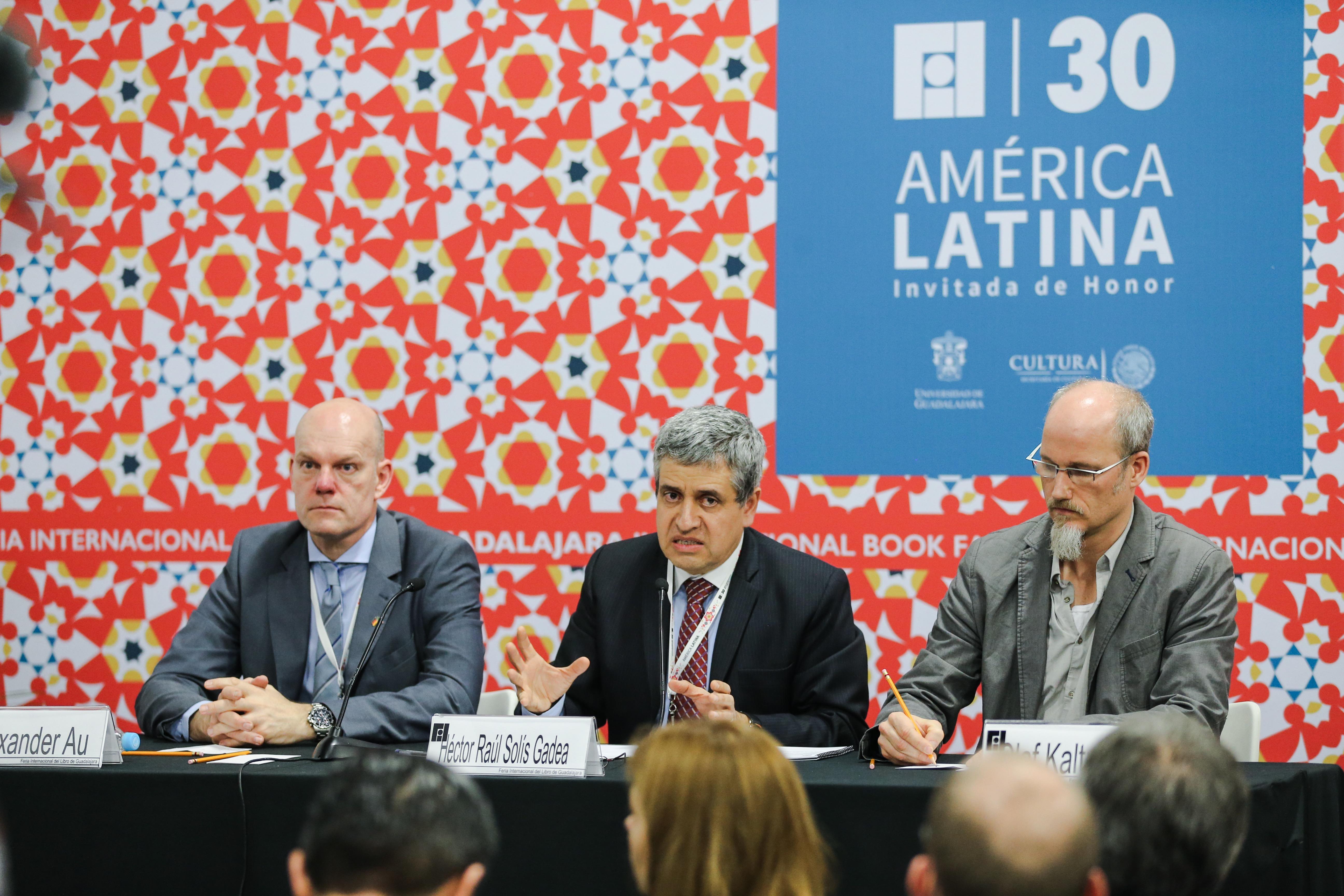 Rueda de prensa para anunciar la creación del centro de estudios avanzados de América Latina