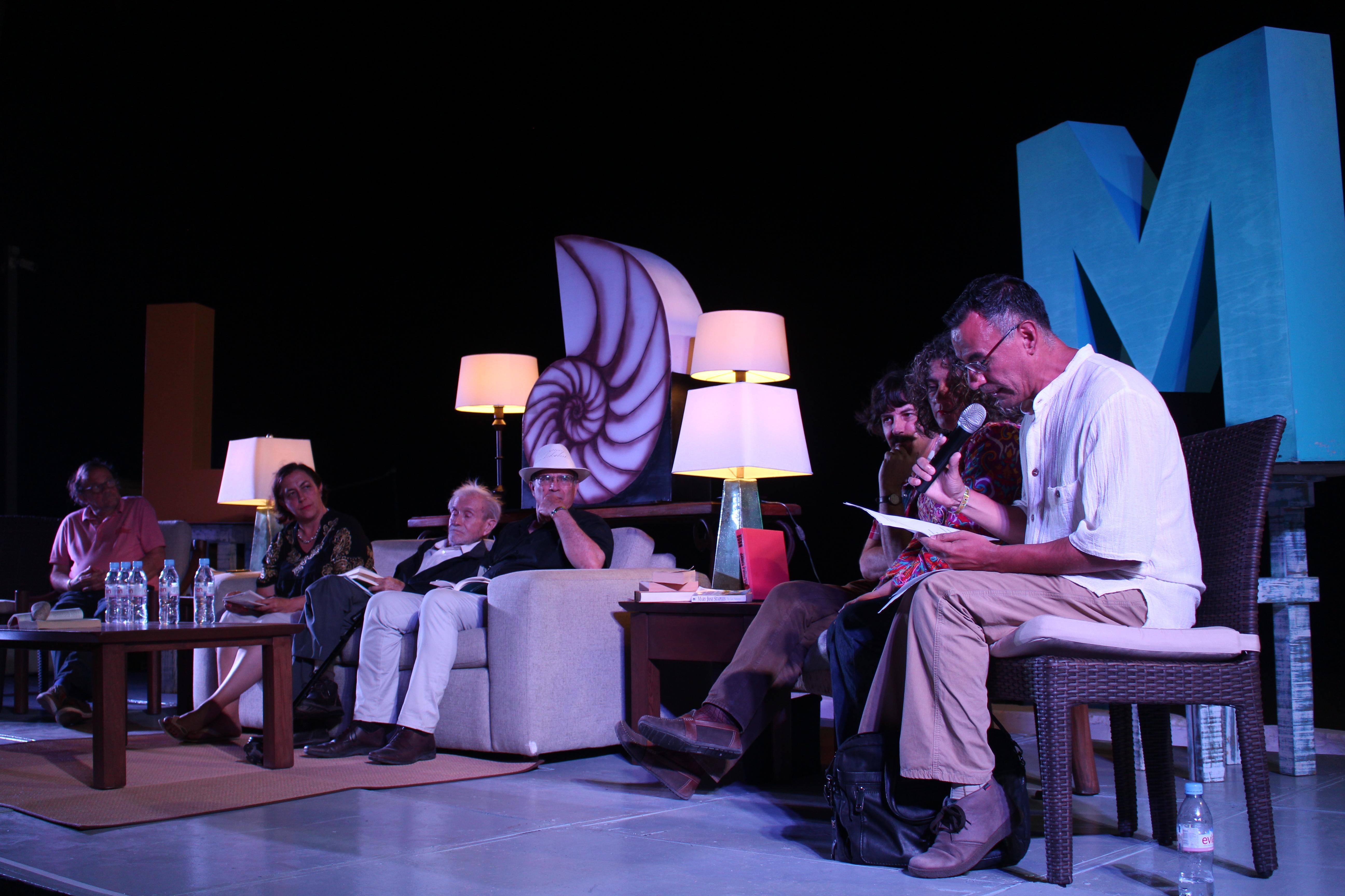 """Clausura oficial del evento """"Letras en la Mar"""" con recitales de poesía"""