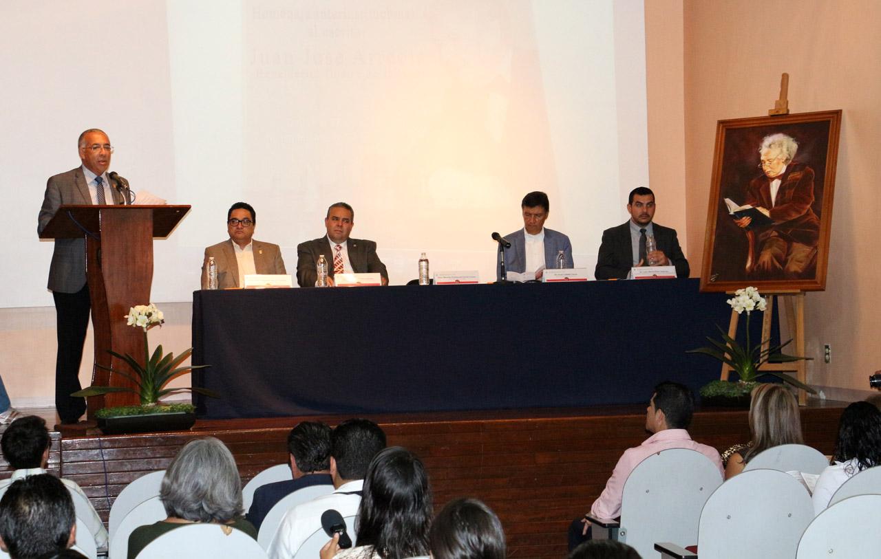 Mtro. Ricardo Xicoténcatl García Cauzor participando en la Jornadas de Letras hispánicas