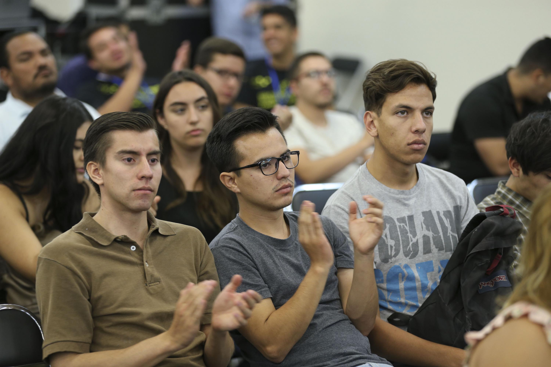 Público asistente a la conferencia -Tecnología e Innovación-, en el marco del Festival para Niños y Jóvenes Papirolas 2018.