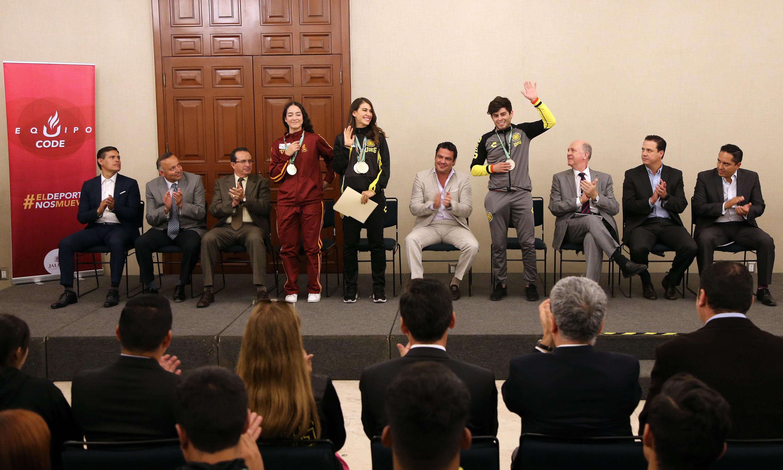Medallistas de la Universidad de Guadalajara, recibidos en Casa Jalisco por el Gobernador del Estado, con motivo de su exitosa participación en la pasada Universiada Nacional 2018.