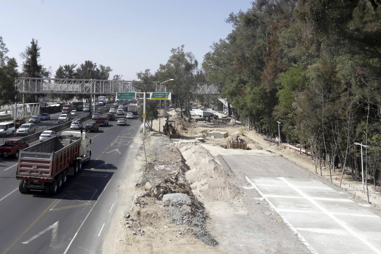 Dos carriles de Anillo Periférico en proceso de obra, por los avances en la segunda etapa del Viaducto Belenes.