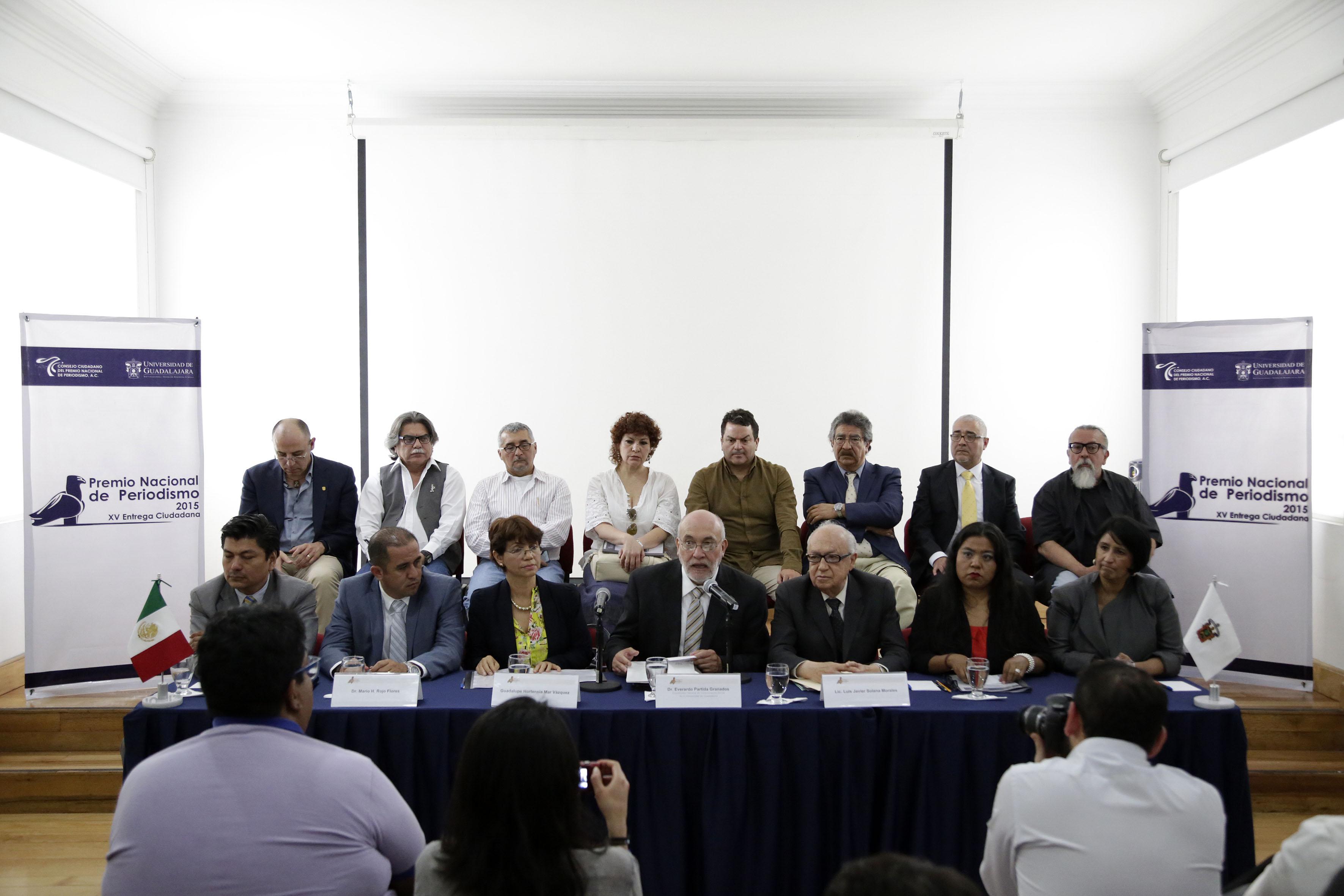Conferencia de prensa, para anunciar convocatoria para participar en Premio Nacional de Periodismo 2015