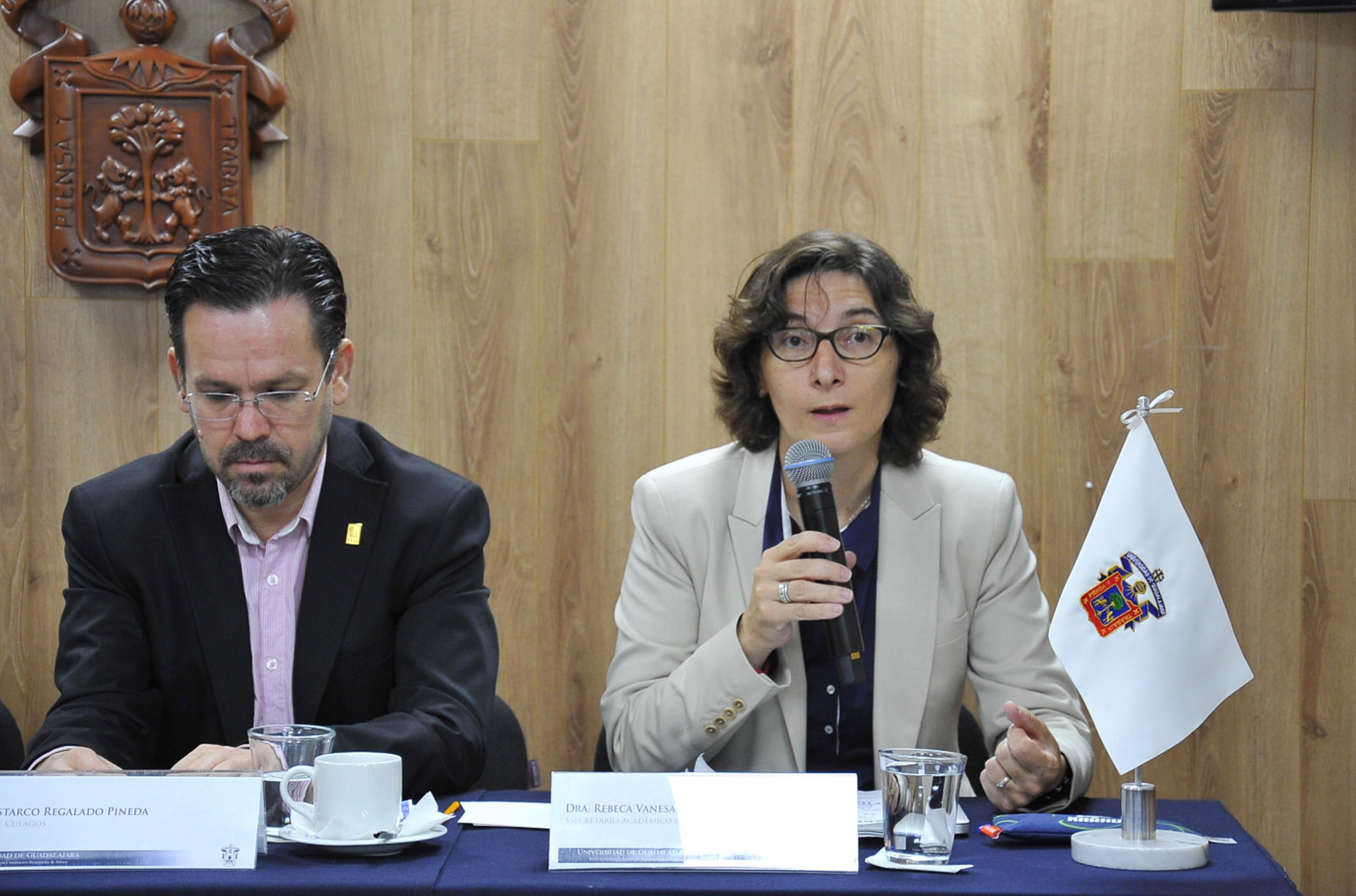Dra. Rebeca Vanessa García Corso hacedno uso de la palabra