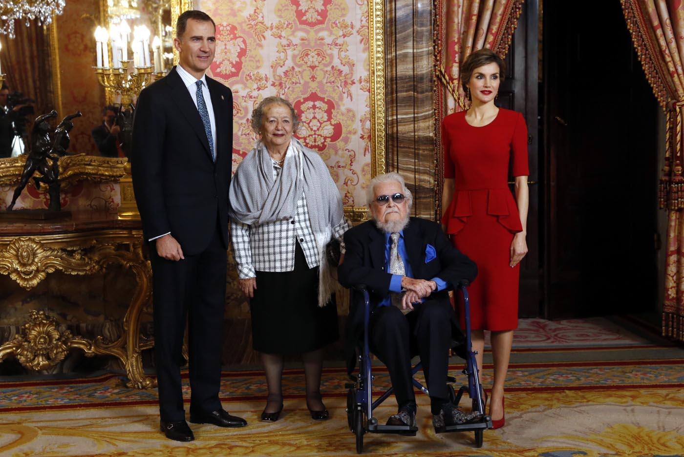 Fernando del Paso, con los reyes de España en el Palacio Real