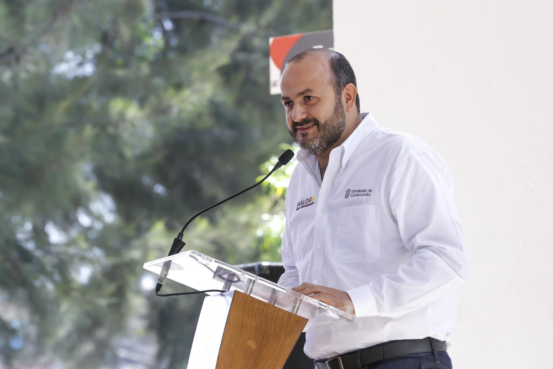 El Rector General de la Universidad de Guadalajara (UdeG), doctor Ricardo Villanueva Lomelí, en uso de la Palabra