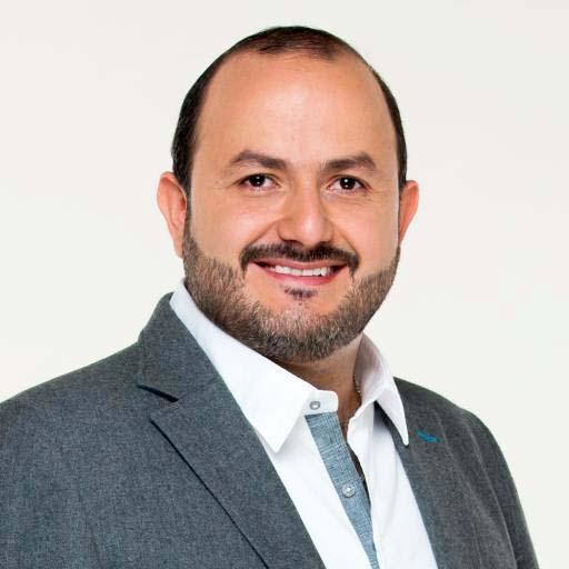 Ricardo Villanueva Lomelí es maestro en Derecho con especialidad en Administración de Justicia y Seguridad Pública, y candidato a la Rectoría de CuTonalá