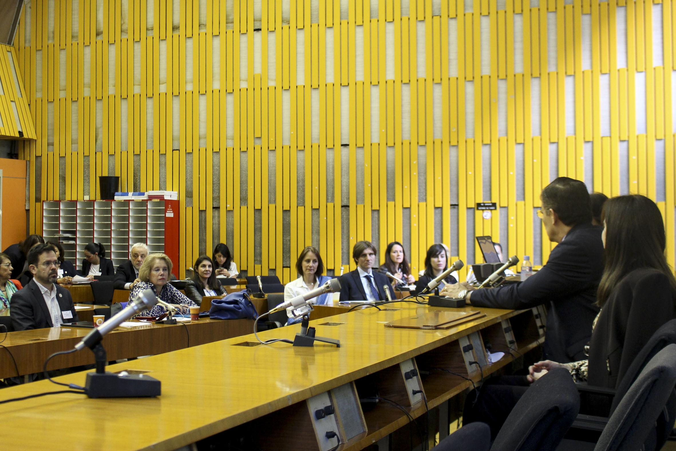 """Rector General, maestro Itzcóatl Tonatiuh Bravo Padilla, durante el seminario """"Experiencias y mejores prácticas en la educación superior de Francia"""