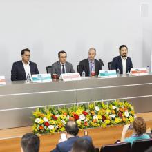 El panel de inauguracion estuvo conformado por cuatro personalidades