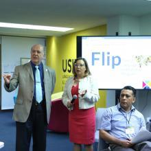Rector General de la Universidad de Guadalajara (UdeG), doctor Miguel Ángel Navarro Navarro, visitando las instalaciones del Programa Institucional de Lenguas Extranjeras de esta Casa de Estudio