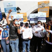 Entregan en Casa Jalisco tres mil cartas firmadas por los jaliscienses