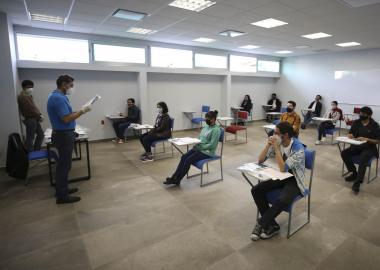Este miércoles asistieron 2 mil 72 aspirantes al CUAAD y CUCBA para presentar el examen de ingreso al ciclo escolar 2020-B